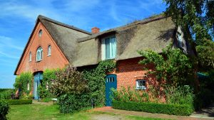 Buying thatched cottage insurance