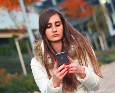 How to save money on your mobile phone contract