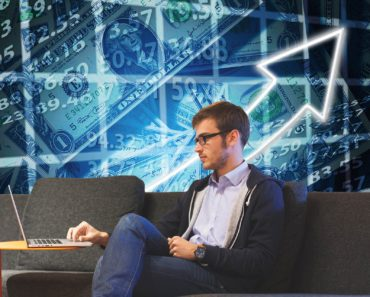 Should You Freelance Alongside Your Job?