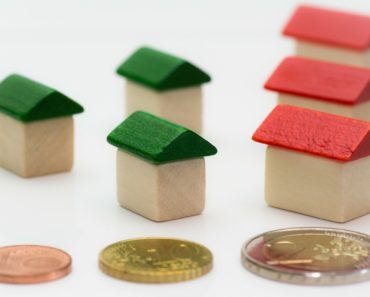 A Secured Loan vs. Remortgaging – Which is the Better Option?