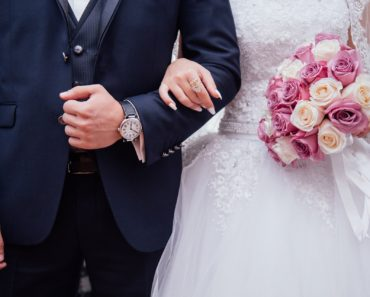 How to Deal with a Financial Emergency in the Run up to Your Wedding