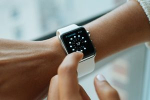 Reading the time from a smart watch