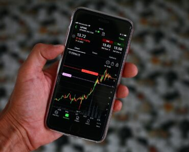 Checking stock price performance on an iPhone