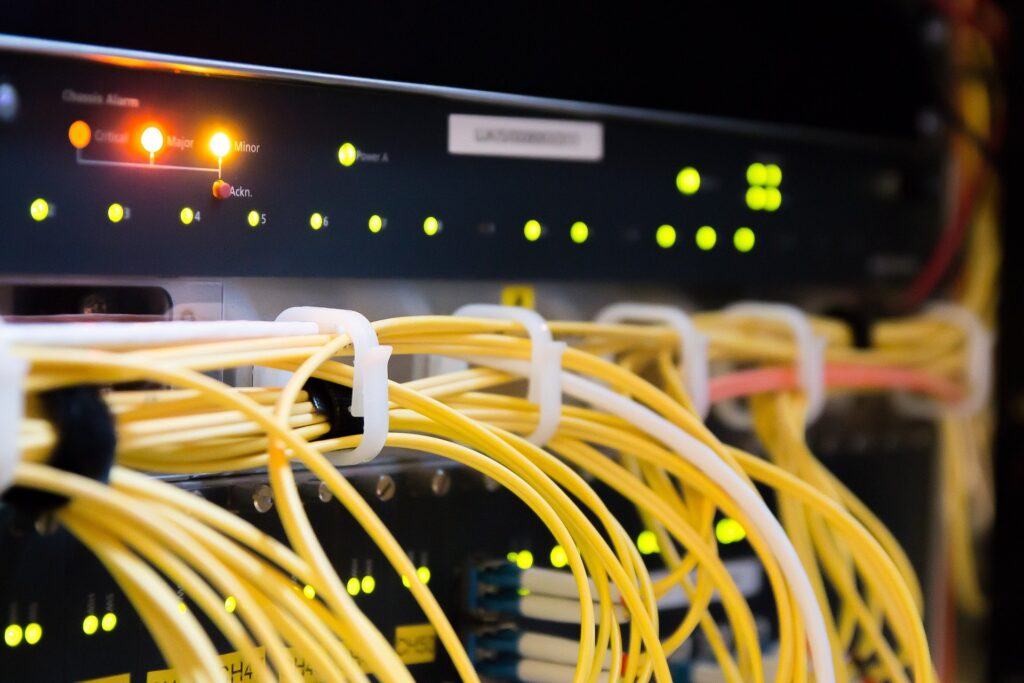 Broadband cabling in a data centre