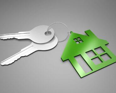 keys on a house key ring