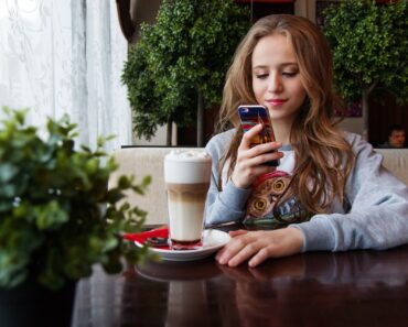 Is Your Teen Aware of All the Financial Lessons to Ward off Monetary Challenges?