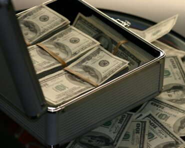 What Are the Best Ways to Make Money from Home?