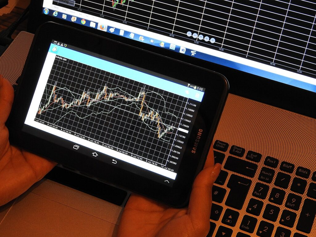Studying a forex trading chart