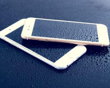 iPhone 6 smartphones left in rain