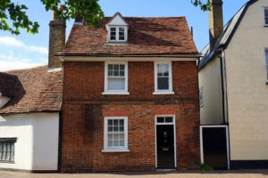 Old houses in the UK attract buyers