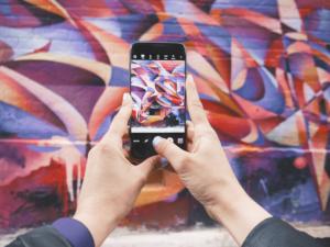 Photographing street art