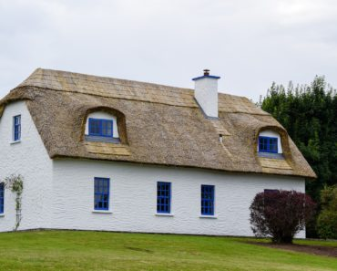 A pretty thatched cottage