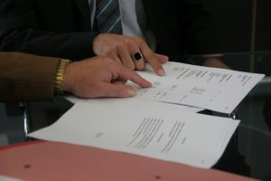 Agreeing a business contract
