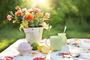 Summer flowers and al fresco dining