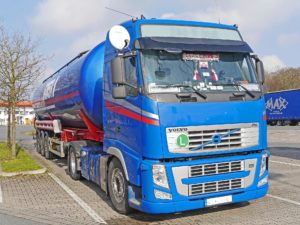 An articulated lorry